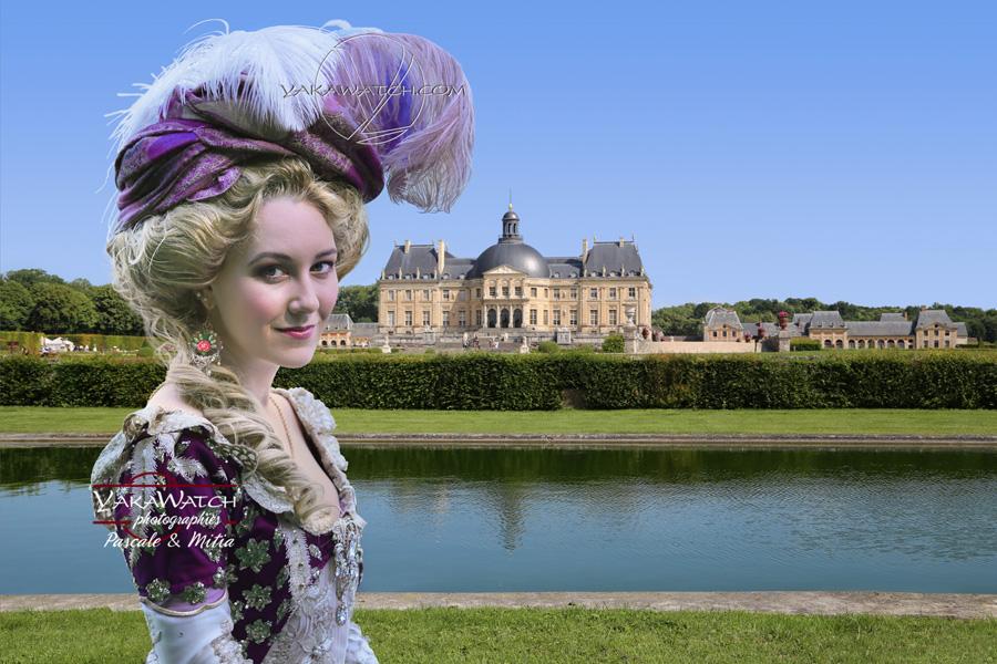 Au Château de Vaux le Vicomte lors de la journée grand siècle en costume historique et féerique