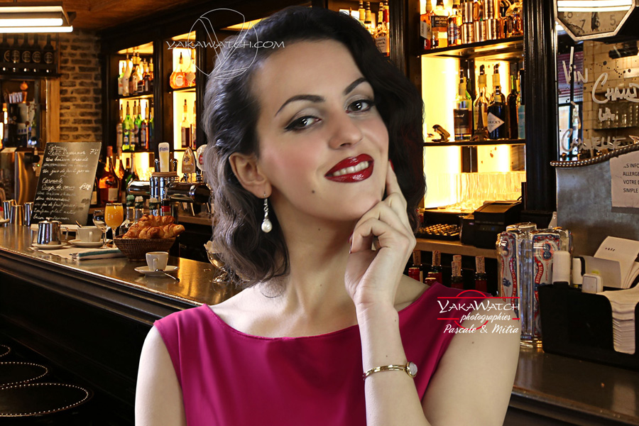 Pin-up in cafe-Bar in Paris - Vintage Fashion Photo Mitia-Arcturus
